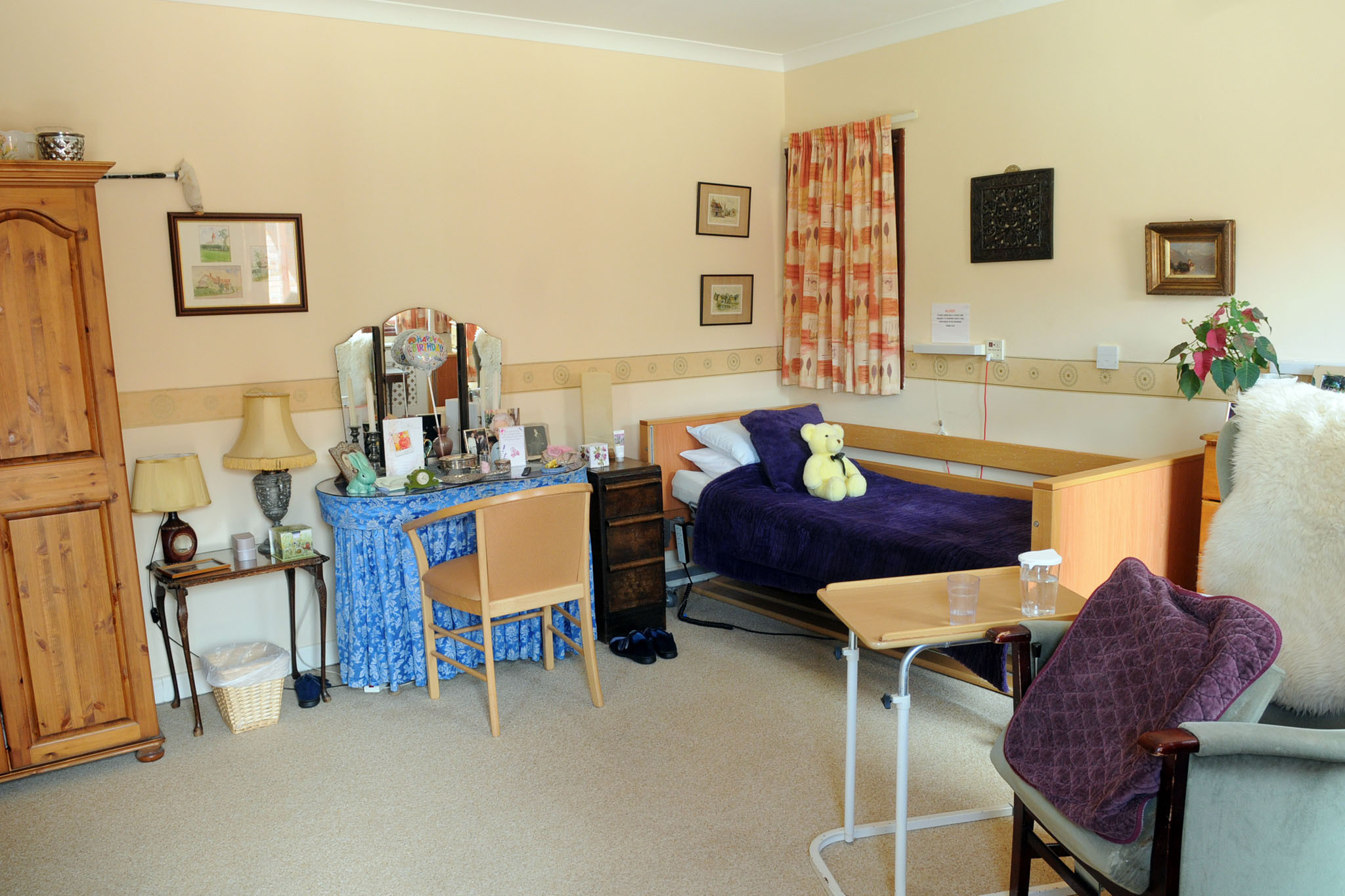 Manorfield Residential Home Bedroom Suite